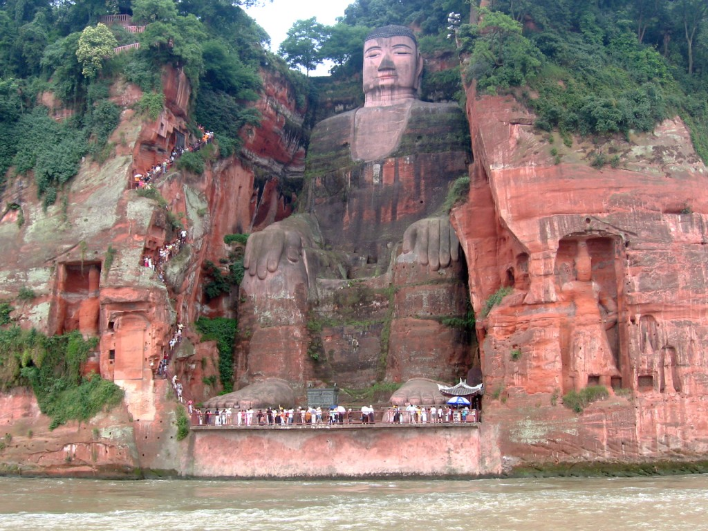 a mountain that became the largest stone statue in the world