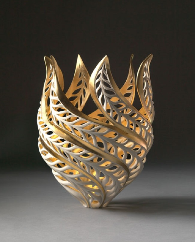glowing-porcelain-sculptures-jennifer-mccurdy-2