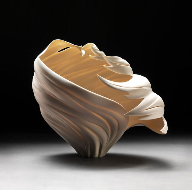 glowing-porcelain-sculptures-jennifer-mccurdy-3