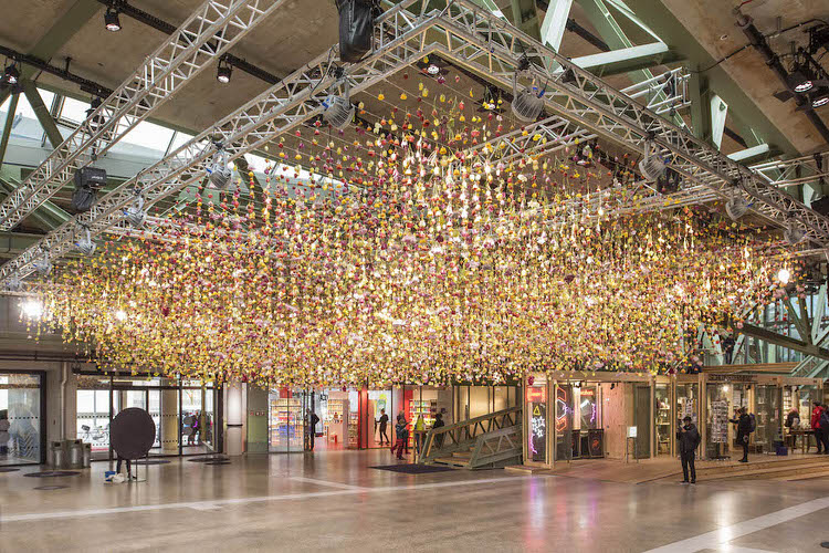 suspended live garden rebecca louise law 7 - Live Garden